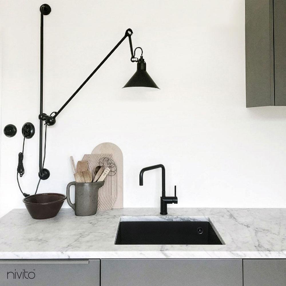 مطبخ صنبور المطبخ أسود