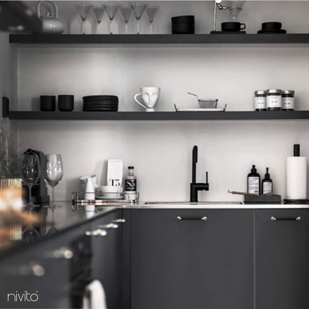 أسود التصميم صنبور المطبخ